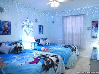 Windsor Hills Condo 2 Miles to Disney - Sleeps 6, Kissimmee