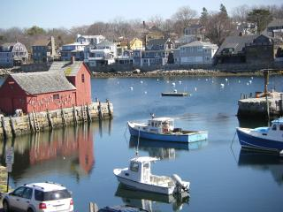 Waterfront Vacation next to Motif #1, Rockport