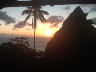 Hermitage Terrace: Piton and Ocean views, Belle Plaine