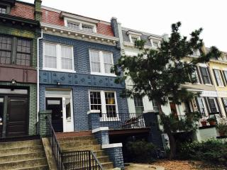 Row House!3BR/Garden/Pkg, Washington DC