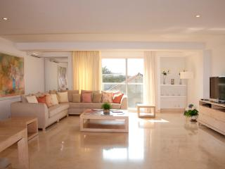 Modern 2 Bedroom in the Old City, Cartagena