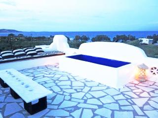 PAROS NAOUSA VILLA - BEACH FRONT 75m away with outstanding Sea and Island views, Naoussa