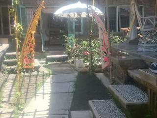 Charming Typical Balinese House close to Padangbai
