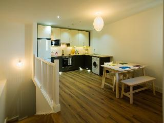 FAMILY APARTMENT Sleeps up to NINE!  Dog friendly., Gibraltar