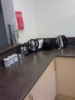 Lots of coffee, tea, coffee plungers, toasters, kettles etc