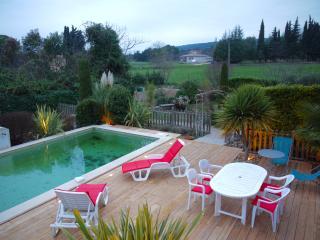 Bastide avec Jardin Paysagé, Piscine et Terrasses, Villecroze