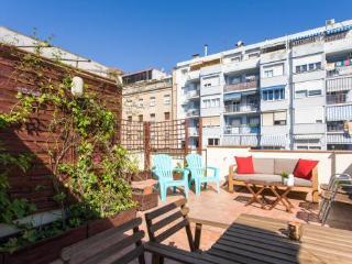 2BR/1BA Penthouse with 2 Terraces- Sagrada Familia