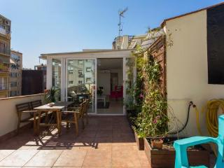 2BR/1BA Penthouse with 2 Terraces- Sagrada Familia