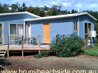 Blighs 4 bedroom-2 bathroom- beach house, Dennes Point