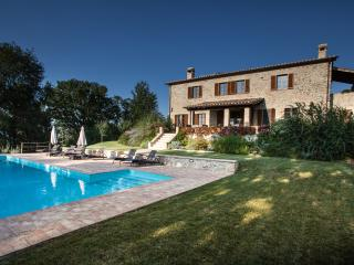Casa Baccianella, wonderful holiday home close to hilltop town