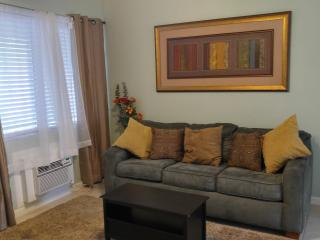 #3Quiet, Near Beaches, downtown, Las Olas, Port, Fort Lauderdale