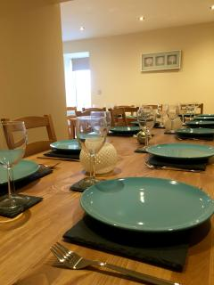 Slate and glass tableware