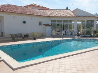 Lovely private Villa in quiet location with pool, Sao Bartolomeu de Messines