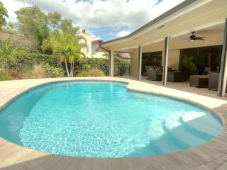 Cozy luxury pool home just 10 minutes to the beach