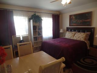 1BD Cozy Vacation house near beach (830A), Staten Island