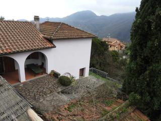 Traditional hillside villa with spectacular views, Podenzana