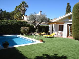 Cozy House with privat pool close to Sitges, Sant Pere de Ribes