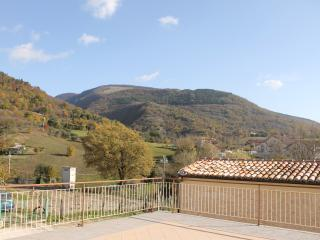 Villa Costanzi: apt with terrace and view on the Cucco! 2BR + 2BA + Garden