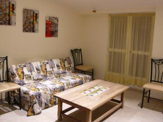 Alojamiento abuhardillado en centro de Benaguasil