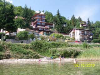 Villa Eros, Struga