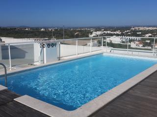 Luxury large spacious 2 bedroom apartment, Armacao de Pera