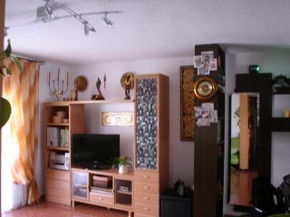 apartamento de dormitorio y salon muy amplios...
