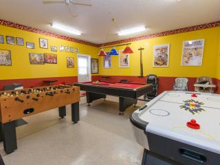 Air-conditioned game-room