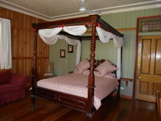Romantic Private Rainforest Suite