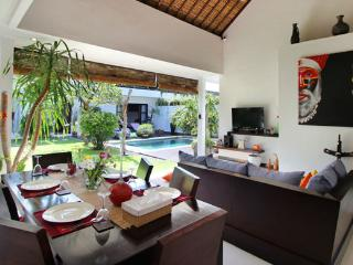 Complex of Pretty Tropical Villa 8BR Seminyak - 1, Kerobokan