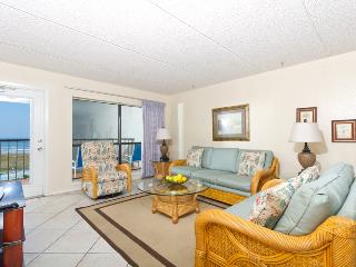 Big Bold Beachfront 2 bedroom 6th Floor Condo, South Padre Island