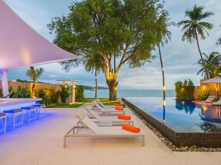 Baan Amandeha Luxury Beachfront Villa