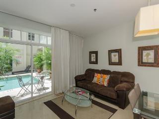 Mercury Pool View 1BR/1BA Suite