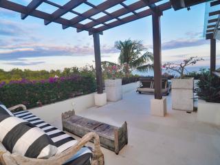 Villa Mewah Angin laut - 4 BR Luxury overlooking to Pacific Ocean