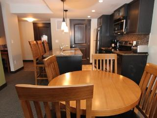 Canmore Copperstone Resort 1 Bedroom Condo - Wilderness Getaway, Dead Man's Flats