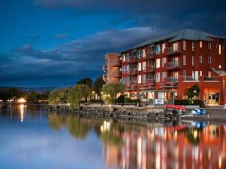 1 Bedroom Suite: Lakeside | Manteo Resort, Kelowna