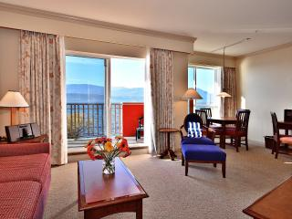 1 Bedroom Suite: Lakeside | Manteo Resort, Kelowna