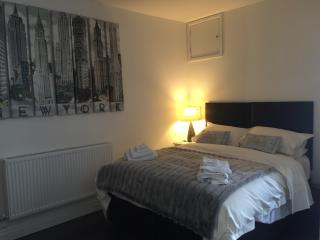 Luxury Town Centre Apartment, Cheltenham