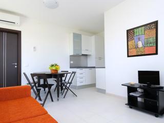 Albachiara Inn: beach-style flat, Ameglia