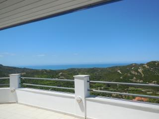 Villa Loft apartment for 5/6 with fantastic views overlooking the Ionian Sea