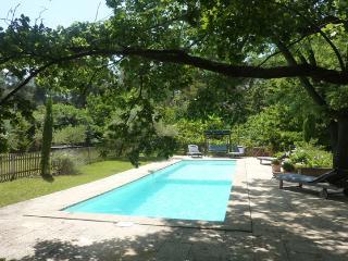 Belle maison piscine, calme, proche d'Aix