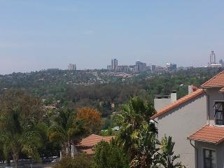 Bryanston 2 Bedroom With Views/Satellite/Access Control/Tennis/Squash and More