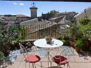 Enchanting historic house near Aix, Pelissanne