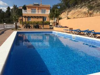 Marimuntanya 18 pax sea vieuws private pool fenced, Lloret de Mar