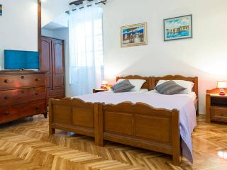 Apartment Porporela in Old Town