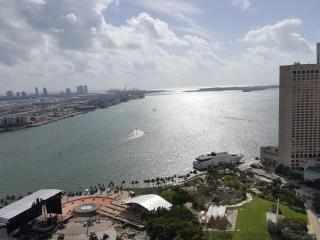 NEWLY LISTED DIRECT VIEW OF ULTRA 3br/2ba