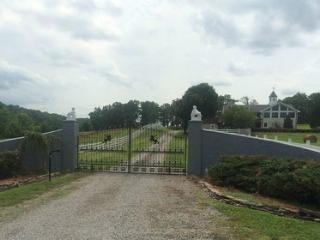 Horse Farm 1 Bedroom with gated entrance., Knoxville