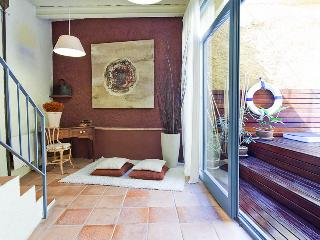 Casa Ullastret. 15kms to the Costa Brava beaches, Peratallada