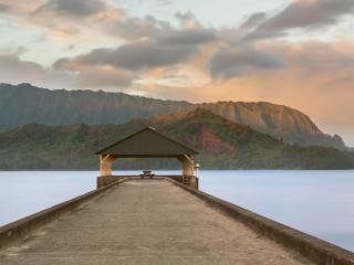 Cottage On Hanalei Bay - Walk to town...