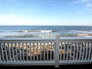 Sunskipper D11 - Oceanfront penthouse condo with loft and pool, Carolina Beach