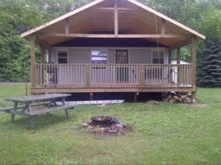Rice Lake Cedars - 2 bedroom Cottage for Rent, Harwood